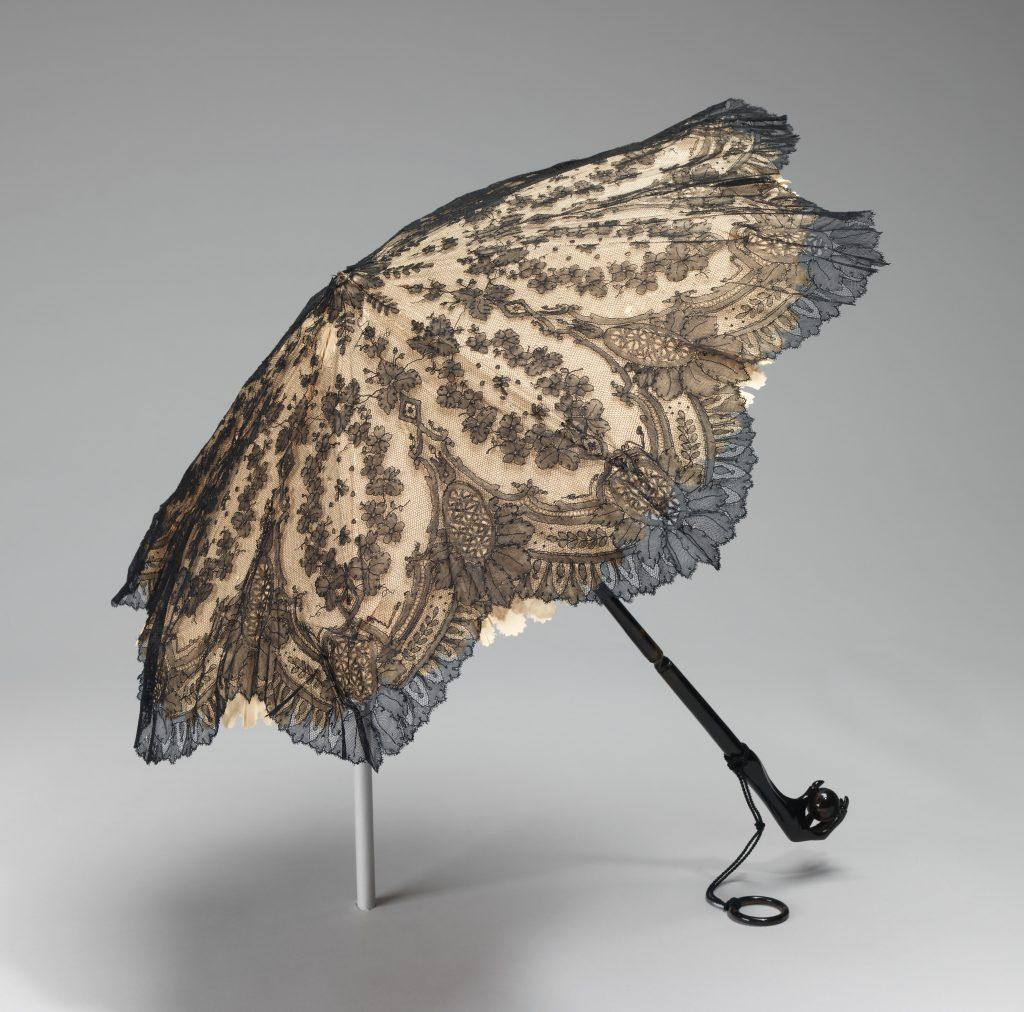 1860 65 american silk parasol with birds claw handle via met museum