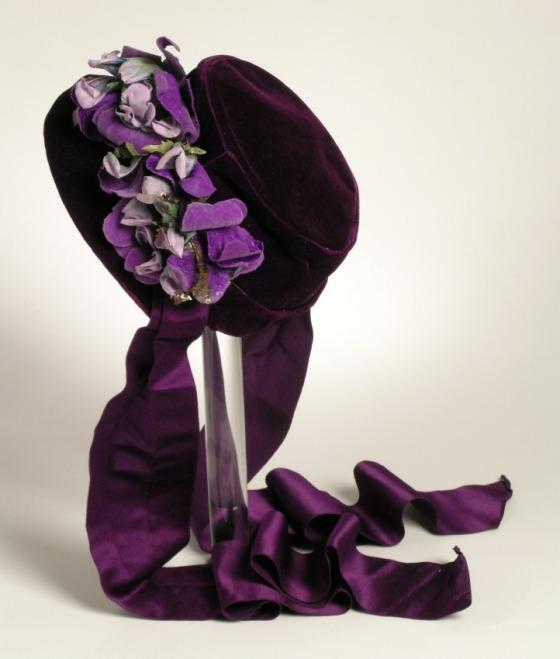 1862 silk velvet bonnet via lacma