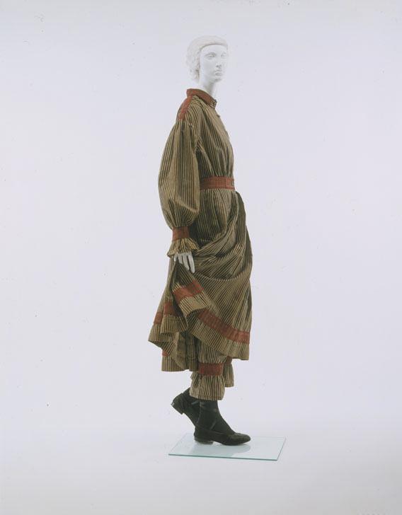 1870s american wool bathing suit via met museum