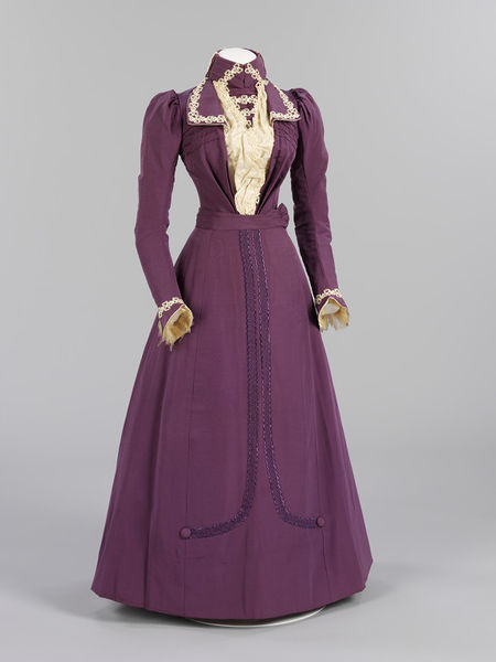 1899 wedding dress ensemble of ribbed silk satin machine lace and braid via victoria and albert museum1