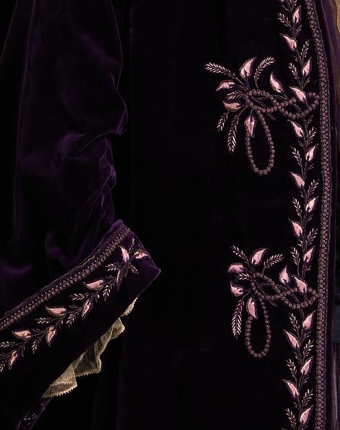 1905 silk house of worth tea gown image 3 via met museum