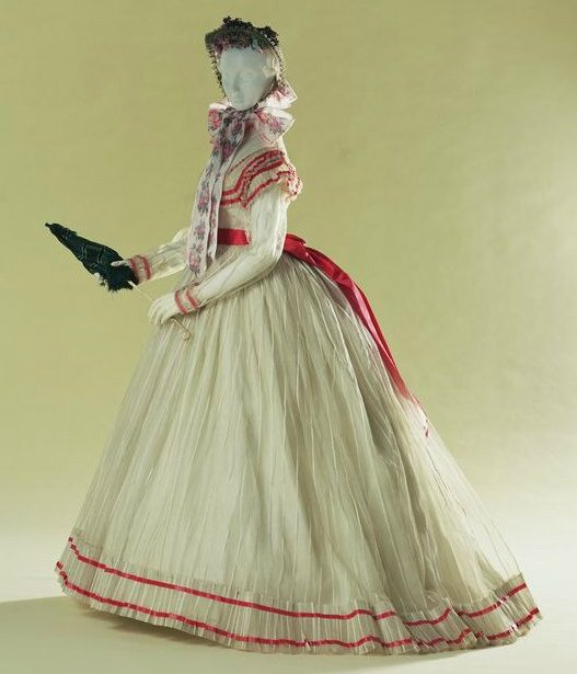 Late 1860s Cotton Tarlatan Summer Day Dress.(Kyoto Costume Institute)