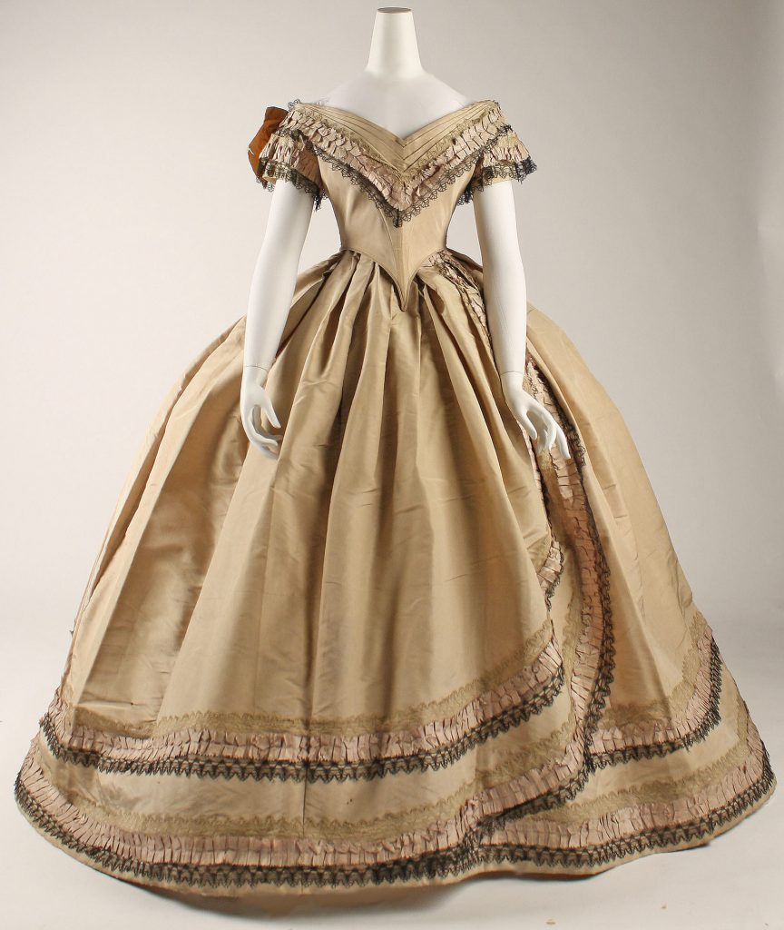 1860-1864 British Silk Dress.(Met Museum)
