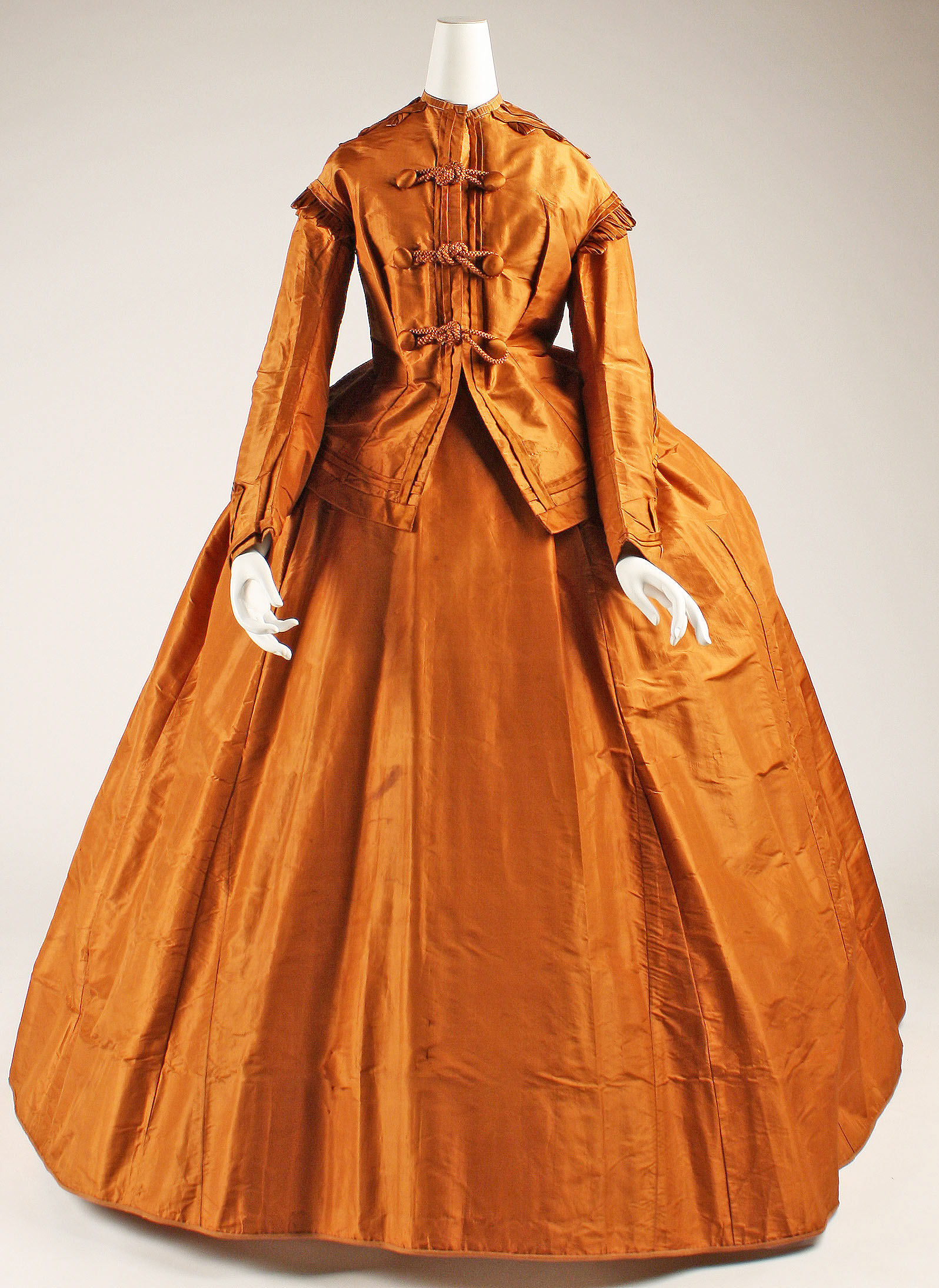 1865 1875 american silk visiting dress 1 via met museum