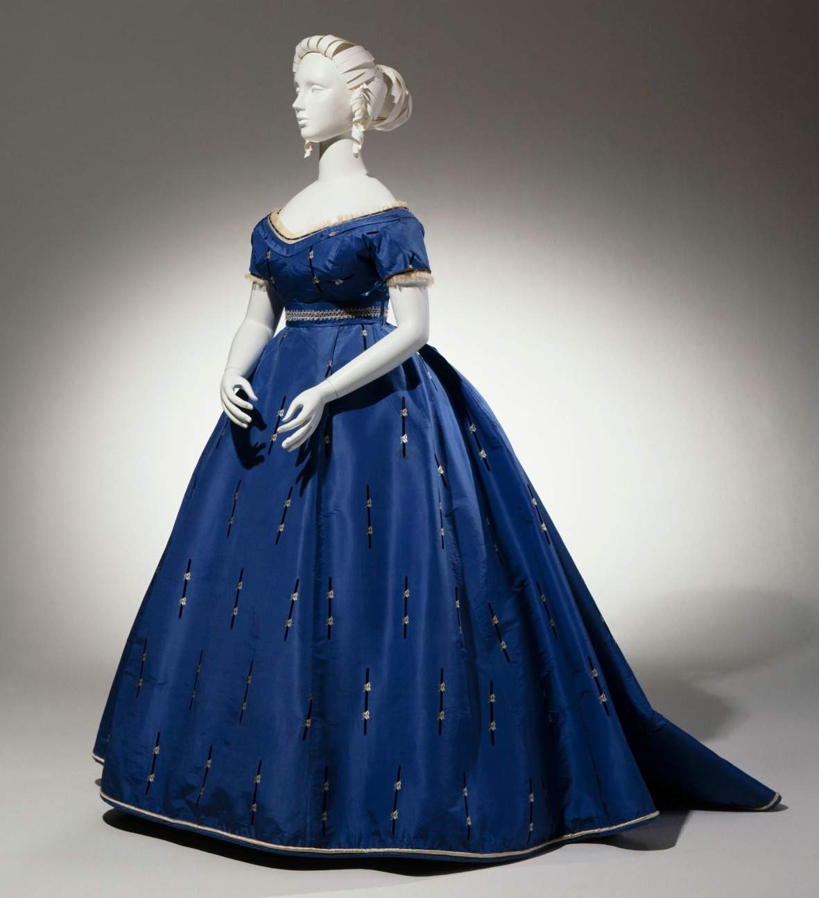 Shades of Victorian Fashion: Cerulean, Mazarine, Navy, and Blue ...