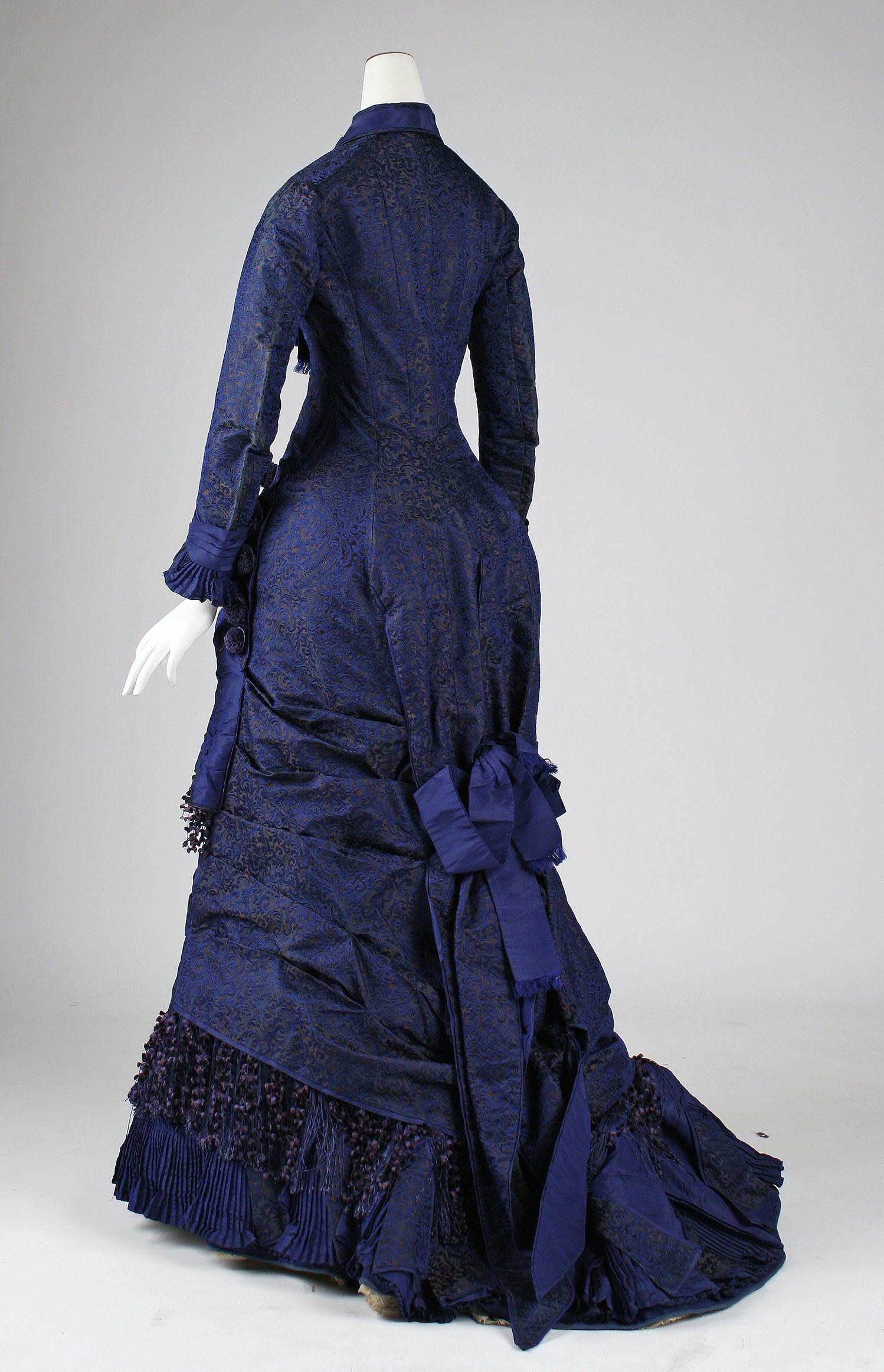 1876 american silk dress 1 via met museum