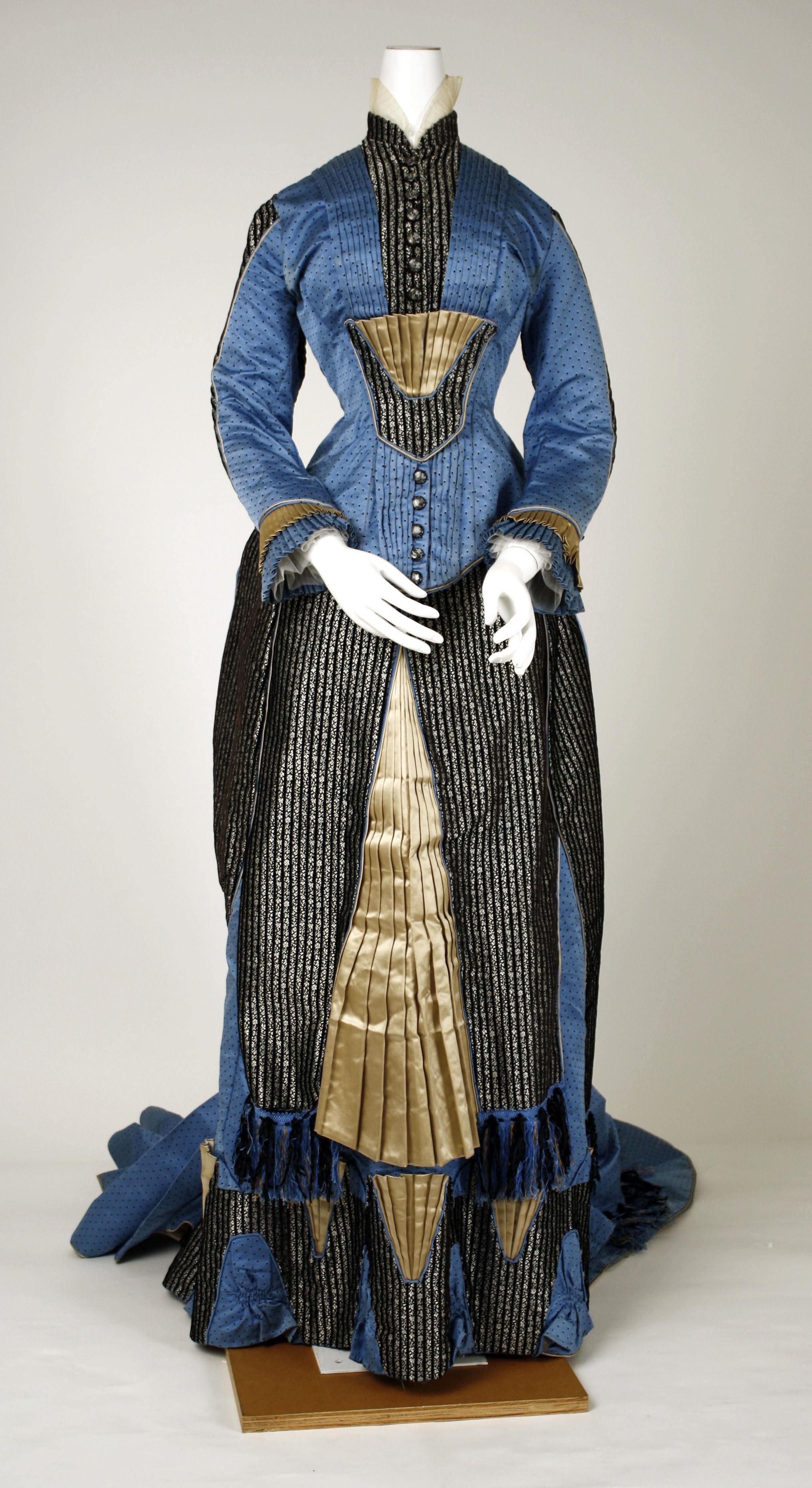 1880 french silk dress via met museum 4