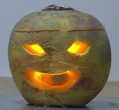 A Turnip Jack O Lantern Geni at English Wikipedia CC BY 3.0 e1509465557965