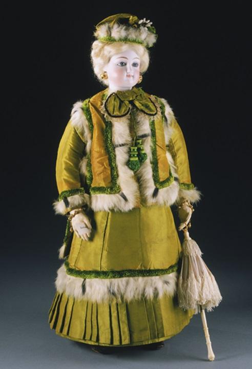 Miss Fanchon Fashion Doll around 1870 France.