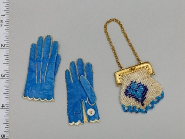 Miss Fanchons Gloves late 1860s 1870s and Dolls Handbag late 1860s 1870s e1538951324671