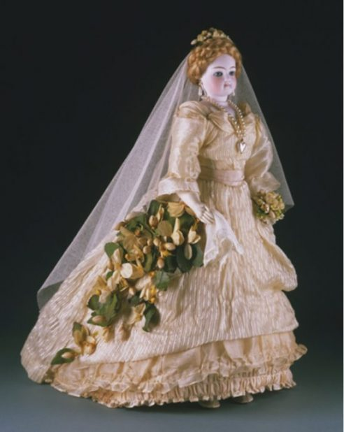 Miss French Mary Fashion Doll around 1875 France e1538951869873