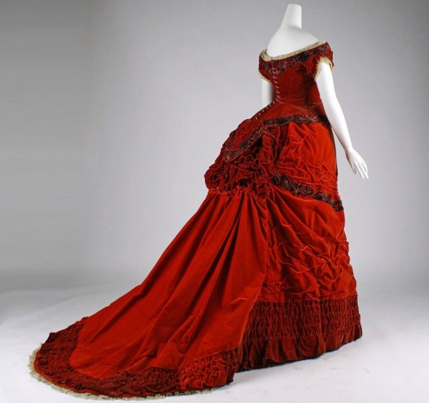 1875 British Ball Gown 2 via met museum Right Facing e1566338734196